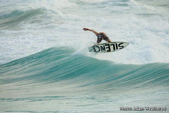 Noah Lane - Surfing at The Spit 28/12/09