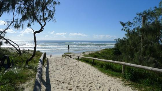 2011/02/26 PEREGIAN BEACH