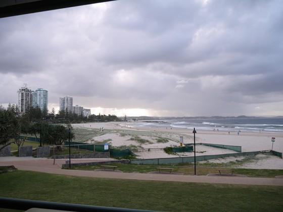 2013/03/11 17:07 Coolangatta Beach