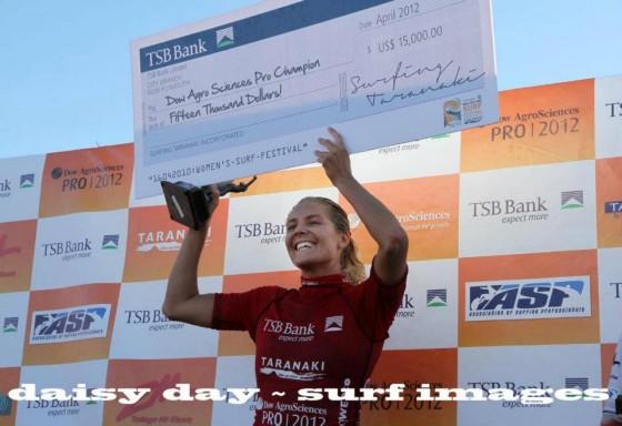 Stephanie Win TSB Bank NZ Surf Festival