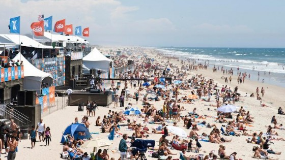 Nike US Open of Surfing Beach crowd. Photo: Michael Lallande