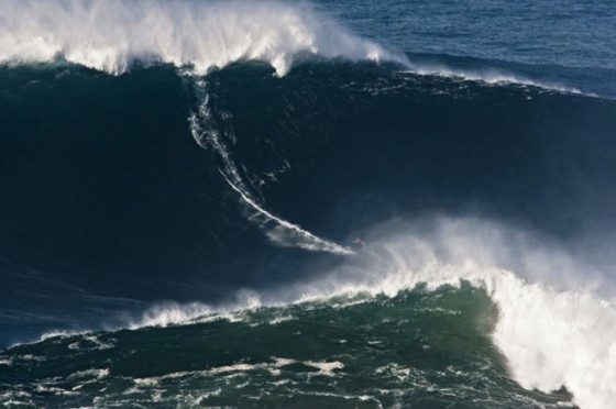 Garrett McNamara - Praia Do Norte - Nazare - november 2011