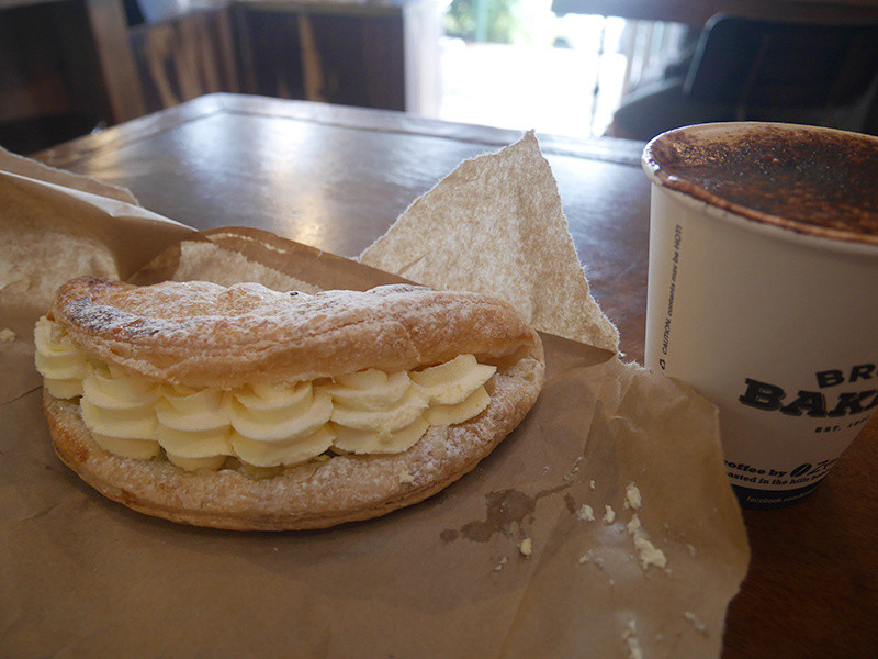 2018/02/24  Bruns Bakery Apple turnover