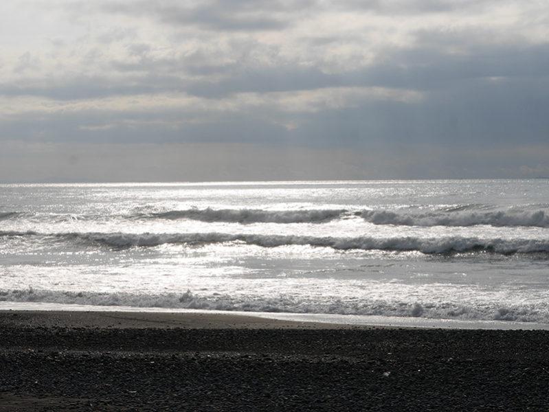 2018/09/17時30分頃到着するもまとまり無い波が多くそれでも1R目に入った女神前辺りは、切れた波が有り乗れていましたが次第にカレントが強くなり面ざわつきだして9時過ぎに上がりました。8 7:38 静波(新堤防東側)