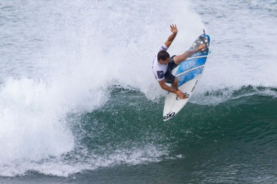 Former ASP World Junior Champion Kai Barger (HAW) is through to Round 3. © ASP/Cestari