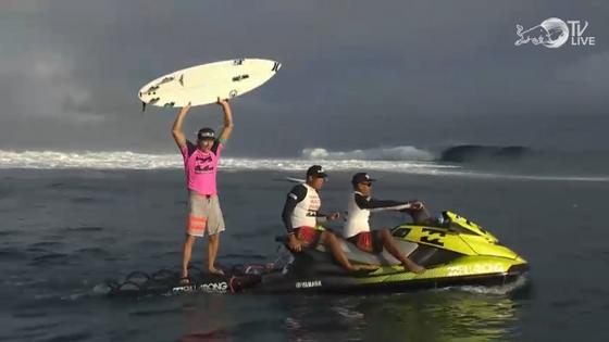 Adrian Buchan Wins Billabong Pro Tahiti 2013