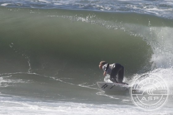 Stephanie Single  Win Piping Hot Surf Festival 2014