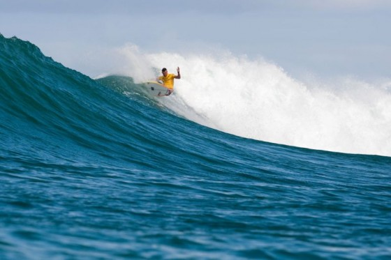 Pancho Sullivan (HAW) looked to be sitting too deep but his local knowledge got him through to Round 3. © ASP/Cestari